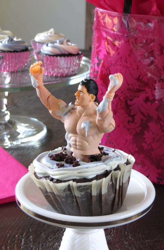 Bachelorette Cupcakes <<Pretty/Hungry Blog
