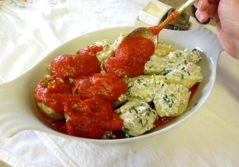 Stuffed Shells with Ground Turkey & Artichoke >> Pretty/Hungry Blog