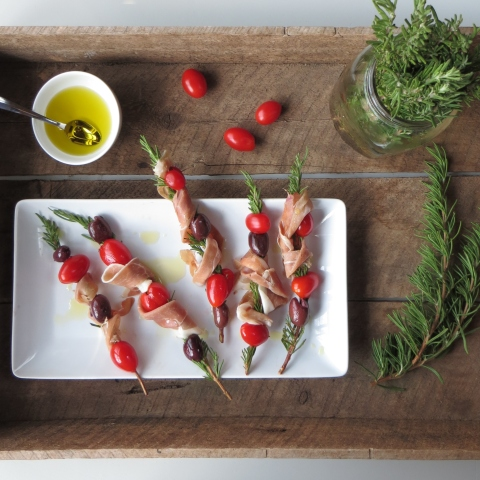 Rosemary Prosciutto Skewers>> Pretty/Hungry Blog
